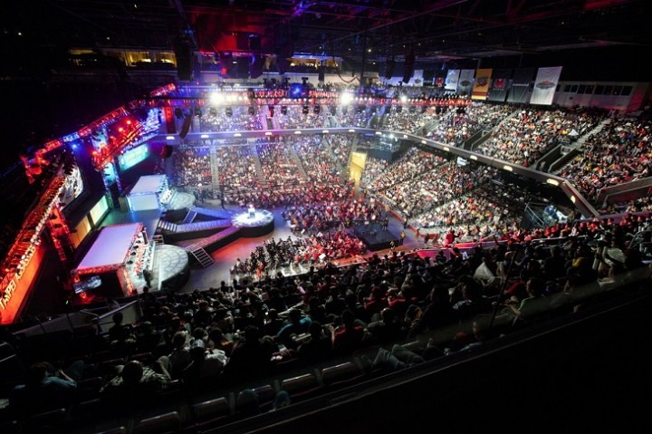 Collegiate eSports - Scholarships, money, and more